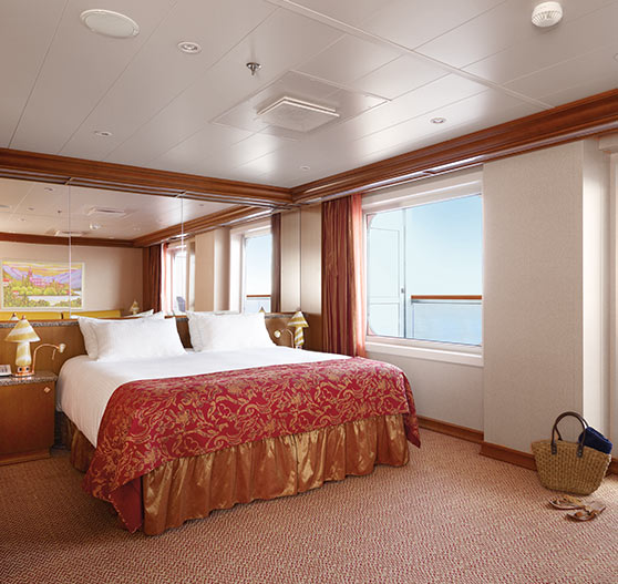 Grand suite interior on Carnival Dream.